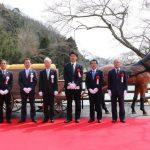 銀の馬車道跡に完成した「馬車モニュメント」のお披露目式が開催。