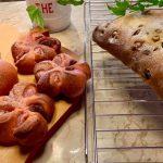 シュトーレンと 桜あんぱん 二種類、焼けました。