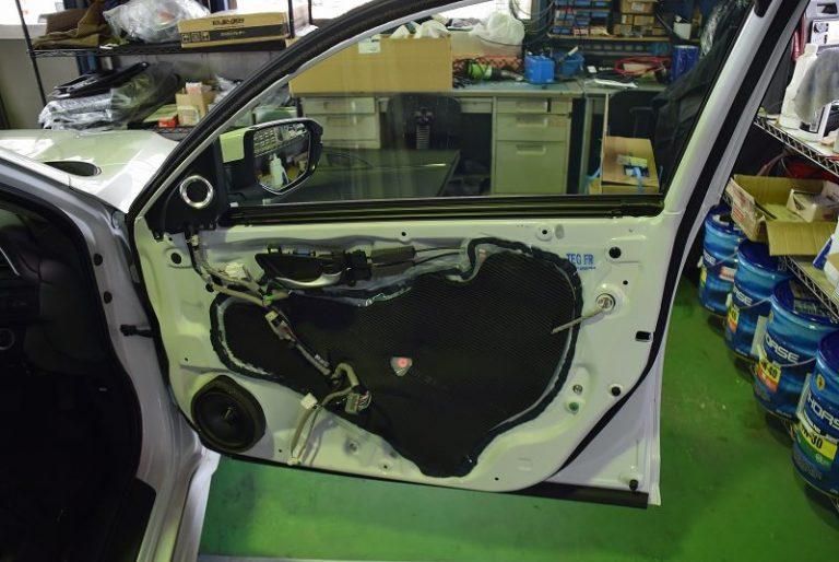 スピーカーをデッドニング(デトニング)施工しました。|マツモト自動車