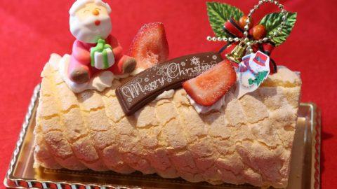今年は4種のクリスマスケーキを販売。第一弾はブッシュ・ド・ノエル Pizzeria da FIORE