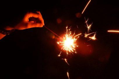 【朝来市】国産花火にこだわった品揃え。自分の好きな花火を1つから!|井上玩具店