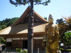【朝来市】大明寺の藁葺(わらぶき)屋根が完成|生野町黒川