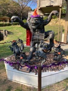【福崎町】辻川山公園の妖怪がハロウィンパーティー