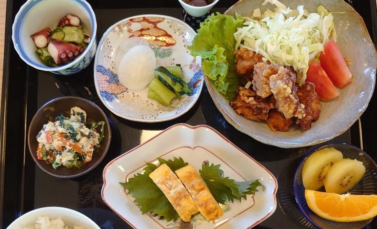 【福崎町】古民家カフェ「ゆう庵」オープン|山裾の高台で四季の庭と料理を楽しめる!