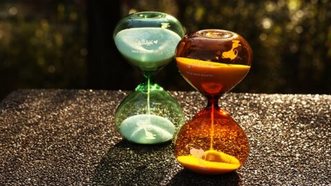 【おうち時間に】おしゃれなスヌーピーのアワーグラスが登場|PEANUTS Cafe
