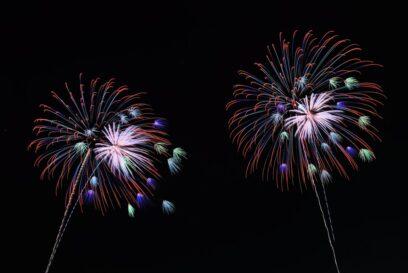 【高浜小学校】願いよ、とどけ!七夕の夜空に短冊とサプライズ花火|姫路市