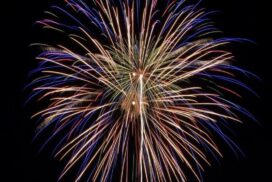 地域に元気を。多可町加美区でサプライズ花火、打ち上げ